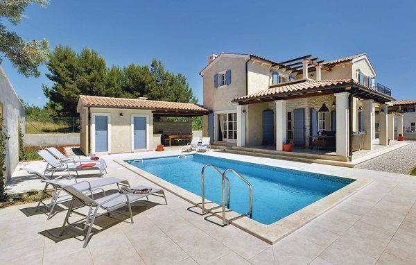 4 bedroom Villa in Fazana, Fazana, Croatia : ref 2276716 - Image 1 - Fazana - rentals
