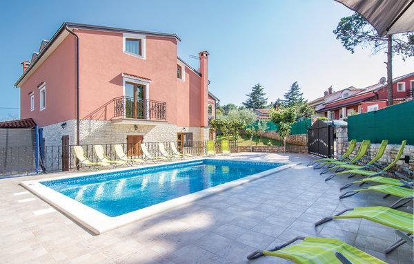 6 bedroom Villa in Rovinj-Rovinjsko Selo, Rovinj, Croatia : ref 2276819 - Image 1 - Rovinjsko Selo - rentals