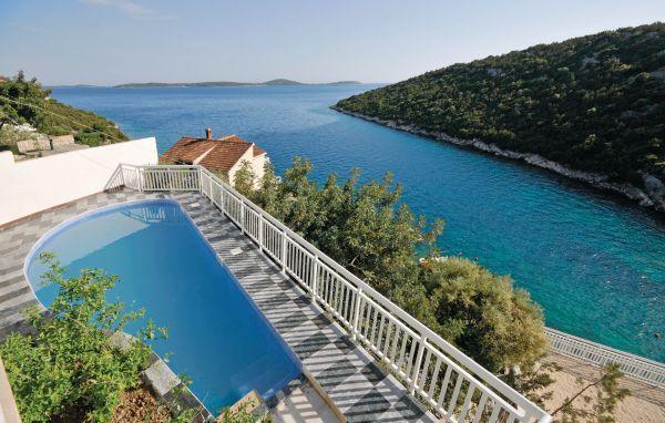 9 bedroom Villa in Trogir-Vinisce, Trogir, Croatia : ref 2276946 - Image 1 - Sevid - rentals