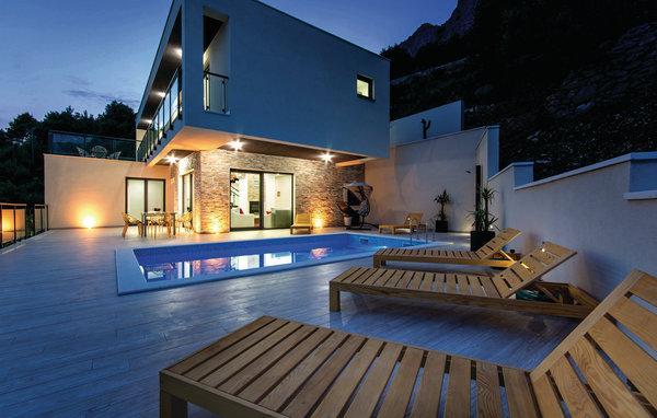 4 bedroom Villa in Omis-Lokva Rogoznica, Omis, Croatia : ref 2277130 - Image 1 - Lokva Rogoznica - rentals