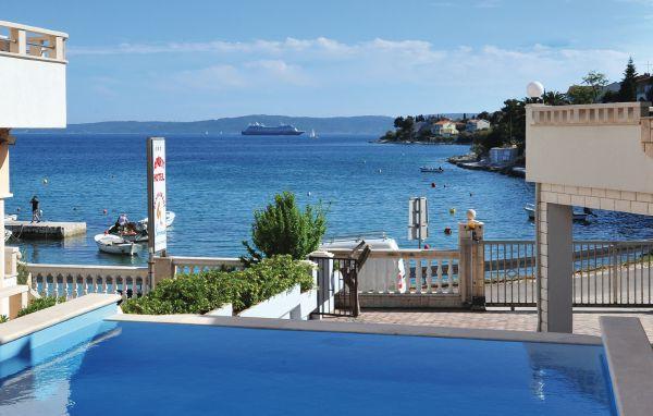 8 bedroom Villa in Ciovo-Mavarstica, Island Of Ciovo, Croatia : ref 2277169 - Image 1 - Okrug Gornji - rentals