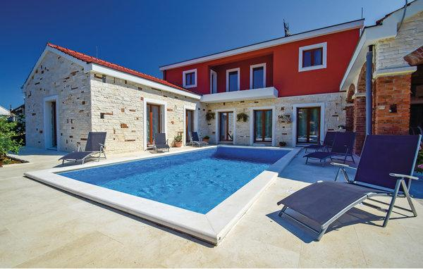 3 bedroom Villa in Sibenik, Sibenik, Croatia : ref 2277436 - Image 1 - Brodarica - rentals