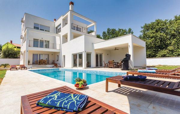 4 bedroom Villa in Liznjan, Liznjan, Croatia : ref 2278543 - Image 1 - Liznjan - rentals