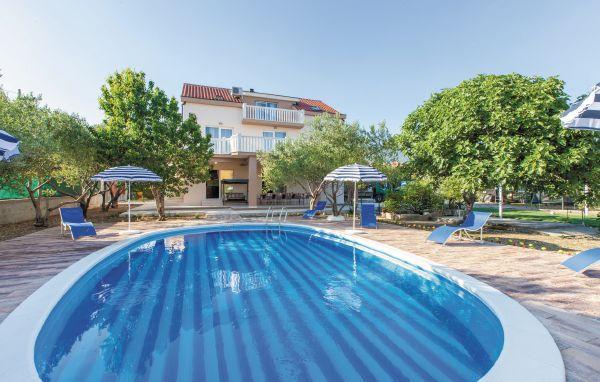 7 bedroom Villa in Trogir-Kastel Stafilic, Trogir, Croatia : ref 2278605 - Image 1 - Kastel Stafilic - rentals