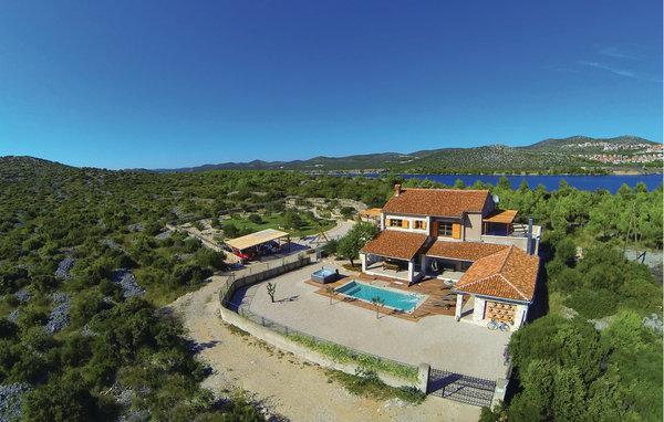 4 bedroom Villa in Sibenik-Jadrija, Sibenik, Croatia : ref 2278607 - Image 1 - Sibenik - rentals