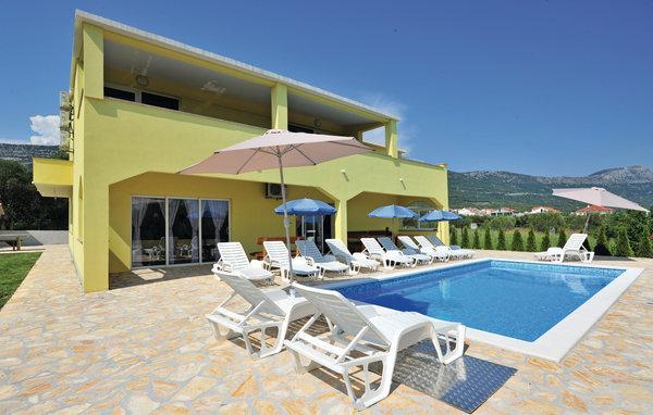 5 bedroom Villa in Trogir-Kastel Stari, Trogir, Croatia : ref 2278745 - Image 1 - Kaštel Novi - rentals