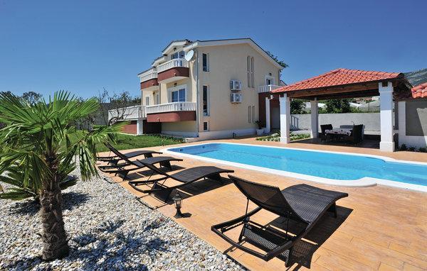 5 bedroom Villa in Trogir-Kastel Novi, Trogir, Croatia : ref 2278820 - Image 1 - Kastel Stafilic - rentals