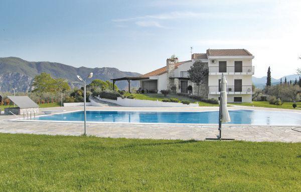 7 bedroom Villa in Kamena Vourla, Central Greece, Greece : ref 2279831 - Image 1 - Kamena Vourla - rentals
