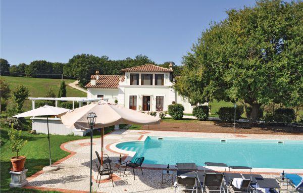 6 bedroom Villa in Todi, Spoleto And Surroundings, Italy : ref 2279969 - Image 1 - Portaria - rentals