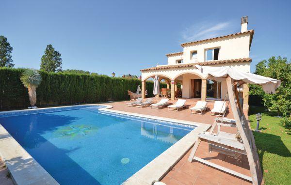 6 bedroom Villa in Sant Pere Pescador, Costa Brava, Spain : ref 2280752 - Image 1 - Sant Pere Pescador - rentals