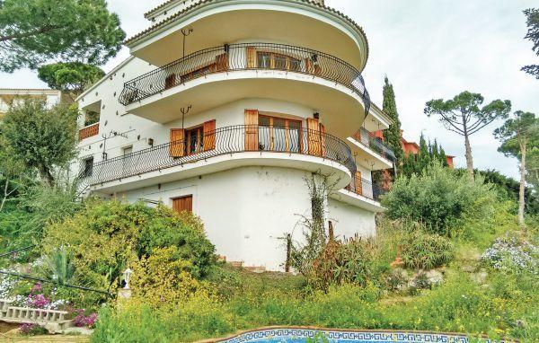 7 bedroom Villa in Platja d ´Aro, Costa Brava, Spain : ref 2280904 - Image 1 - Castell-Platja d'Aro - rentals