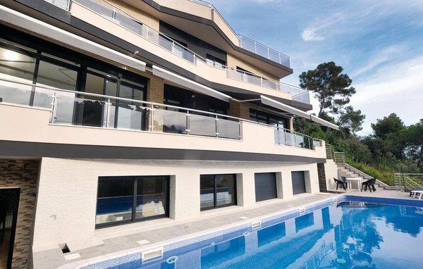 6 bedroom Villa in Santa Susanna, Costa De Barcelona, Spain : ref 2280979 - Image 1 - Santa Susana - rentals