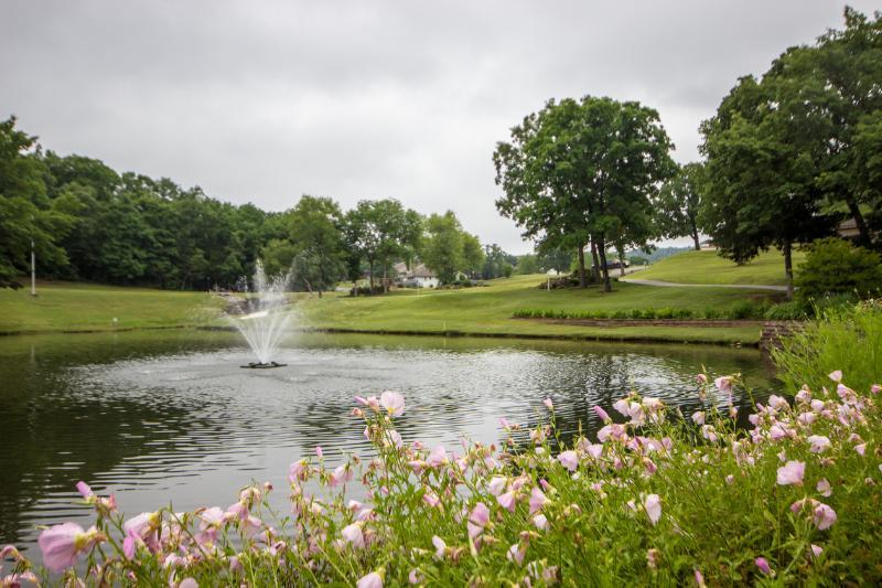 Branson Condo Rental | Pointe Royale | Golf | Indoor Pool | Taneycomo | Welk (5911107) - Image 1 - Branson - rentals