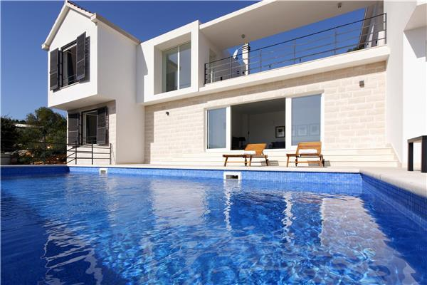 4 bedroom Villa in Selca, Central Dalmatia Islands, Croatia : ref 2282359 - Image 1 - Selca - rentals