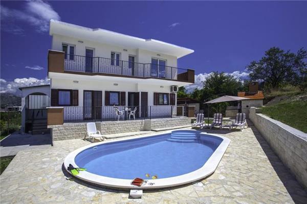 6 bedroom Villa in Split, Central Dalmatia Mainland, Croatia : ref 2282903 - Image 1 - Solin - rentals