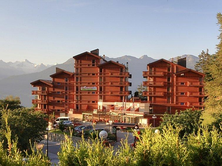 2 bedroom Apartment in Crans Montana, Valais, Switzerland : ref 2284884 - Image 1 - Crans-Montana - rentals