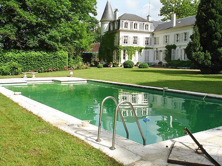 10 bedroom Villa in Bury, Picardie, France : ref 2285968 - Image 1 - Balagny-sur-Therain - rentals