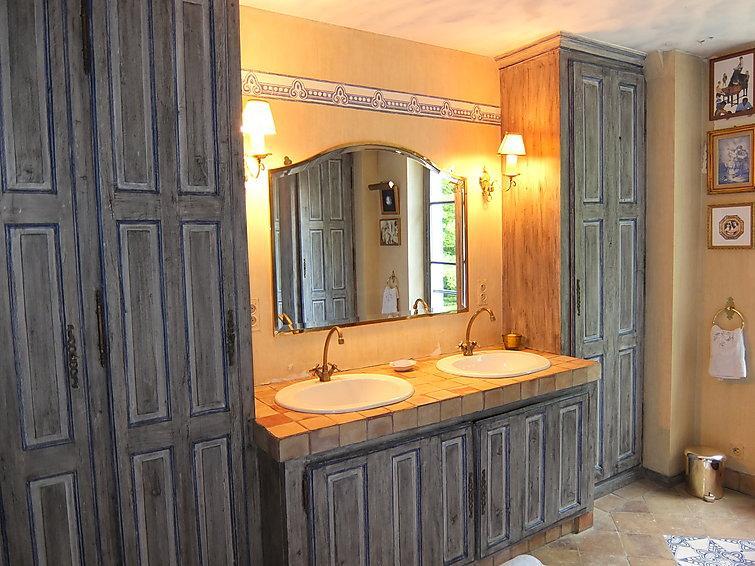 10 bedroom Villa in Bury, Picardie, France : ref 2285968 - Image 1 - Balagny-sur-Therain - rentals