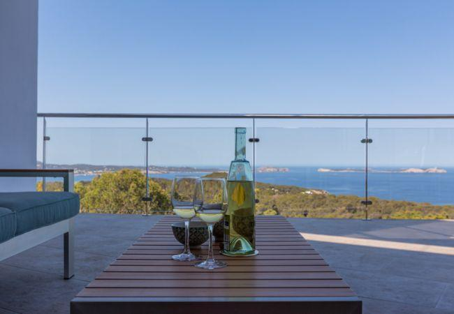 6 bedroom Villa in Sant Antoni de Portmany, Cala Salada, Baleares, Ibiza : ref 2288686 - Image 1 - Cala Gracio - rentals