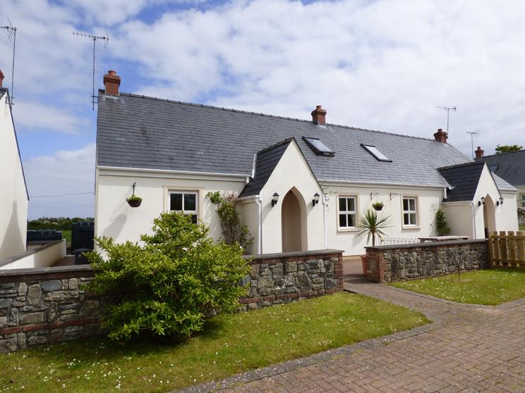 4 Tudor Lodge Cottages - Image 1 - Tenby - rentals