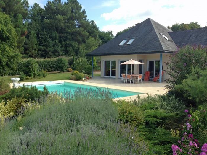 3 bedroom Villa in near Saumur, Loire, France : ref 2291532 - Image 1 - La Breille-les-Pins - rentals