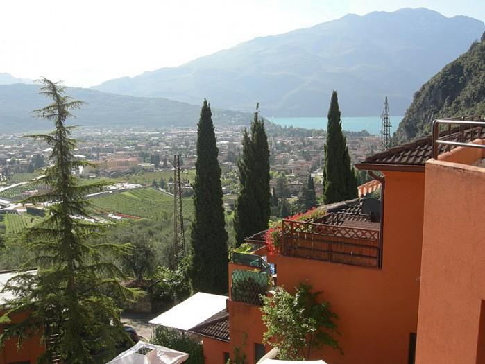2 bedroom Villa in Riva Del Garda, Lake Garda, Italian Lakes, Italy : ref 2291540 - Image 1 - Riva Del Garda - rentals