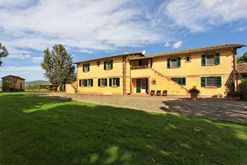 7 bedroom Villa in Grosseto, Maremma, Tuscany, Italy : ref 2293933 - Image 1 - Braccagni - rentals