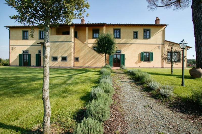 10 bedroom Villa in Montopoli in Val d Arno, Pisa and surroundings, Tuscany - Image 1 - Marti - rentals