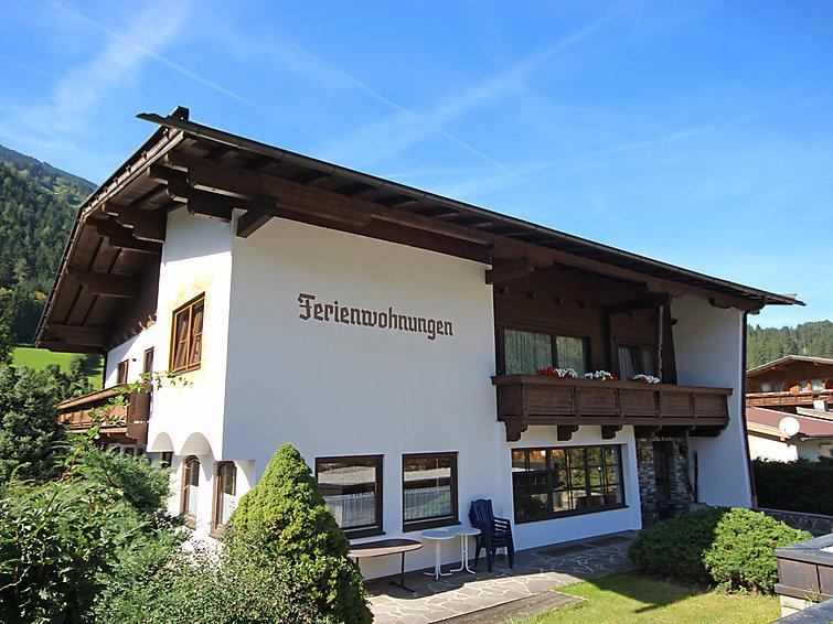 9 bedroom Villa in Aschau im Zillertal, Zillertal, Austria : ref 2295440 - Image 1 - Aschau im Zillertal - rentals