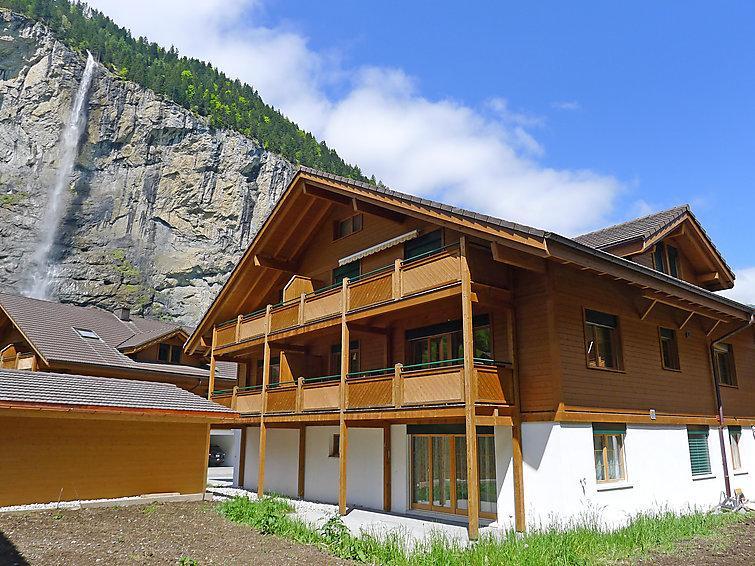 3 bedroom Apartment in Lauterbrunnen, Bernese Oberland, Switzerland : ref 2297322 - Image 1 - Lauterbrunnen - rentals