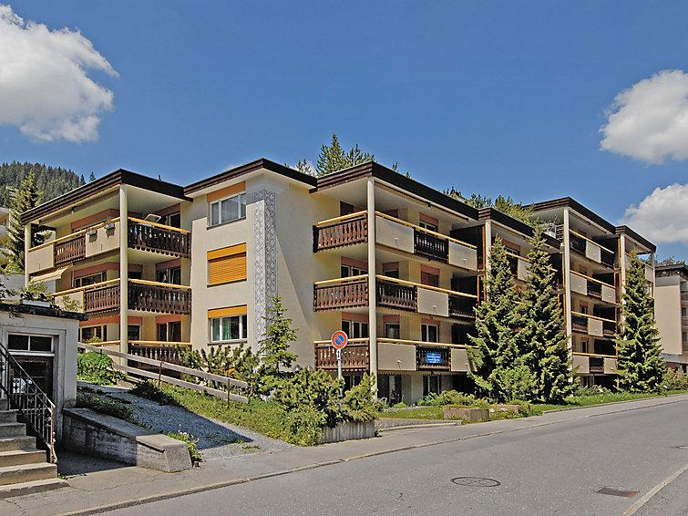 3 bedroom Apartment in Davos, Praettigau Landwassertal, Switzerland : ref 2298221 - Image 1 - Davos - rentals