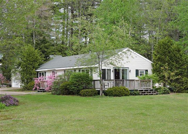 Wonderful 3 BR Winnipesaukee Waterfront - Image 1 - Moultonborough - rentals