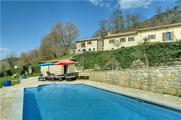 6 bedroom Villa in Dolenja Vas, Istria, Croatia : ref 2301652 - Image 1 - Cabar - rentals
