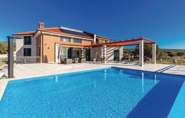 5 bedroom Villa in Pag-Novalja, Island Of Pag, Croatia : ref 2302458 - Image 1 - Stara Novalja - rentals