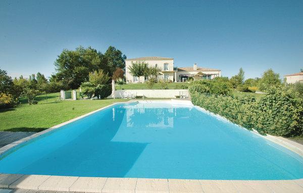 6 bedroom Villa in Sainte Livrade sur Lot, Lot Et Garonne, France : ref 2303393 - Image 1 - Sainte-Livrade-sur-Lot - rentals