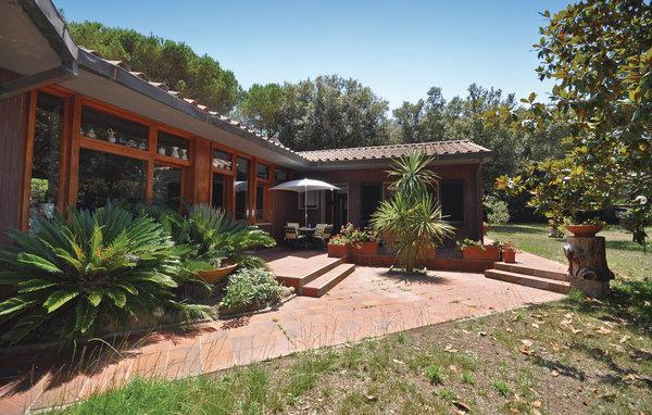 6 bedroom Villa in Punta Ala, Maremma / Monte Argentario, Italy : ref 2303749 - Image 1 - Punta Ala - rentals