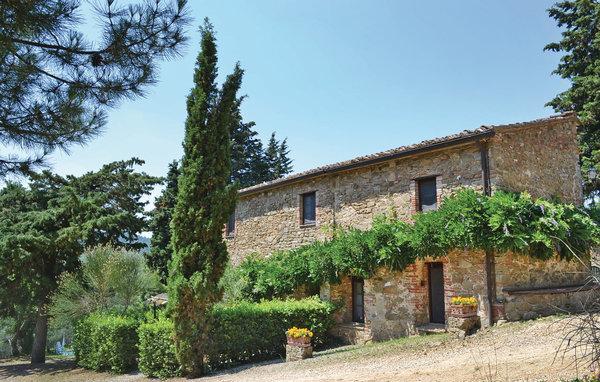 6 bedroom Villa in Gaiole in Chianti, Chianti, Italy : ref 2303865 - Image 1 - Gaiole in Chianti - rentals
