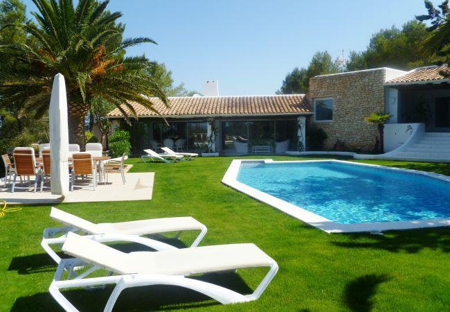 4 bedroom Villa in Ibiza Ciudad, Ibiza, Ibiza : ref 2306360 - Image 1 - Velverde - rentals