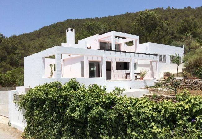 3 bedroom Villa in Ibiza ciudad, Ibiza, Ibiza : ref 2306362 - Image 1 - Sant Miquel De Balansat - rentals