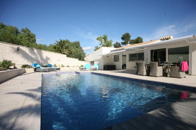 3 bedroom Villa in Alfaz Del Pi, Alicante, Costa Blanca, Spain : ref 2307304 - Image 1 - L'Alfas del Pi - rentals
