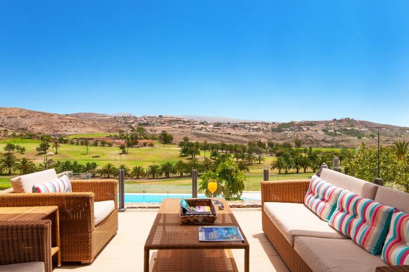 3 bedroom Villa in Salobre G. Resort, Gran Canaria, Canary Islands : ref 2307484 - Image 1 - Montana La Data - rentals