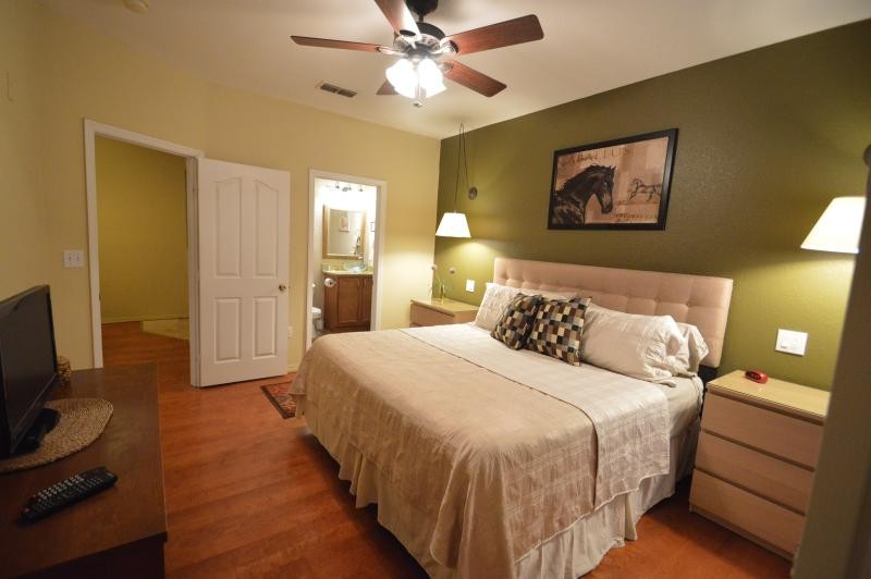 Master Bedroom - Legacy Dunes Condo Dalmatian Plantation - Four Corners - rentals