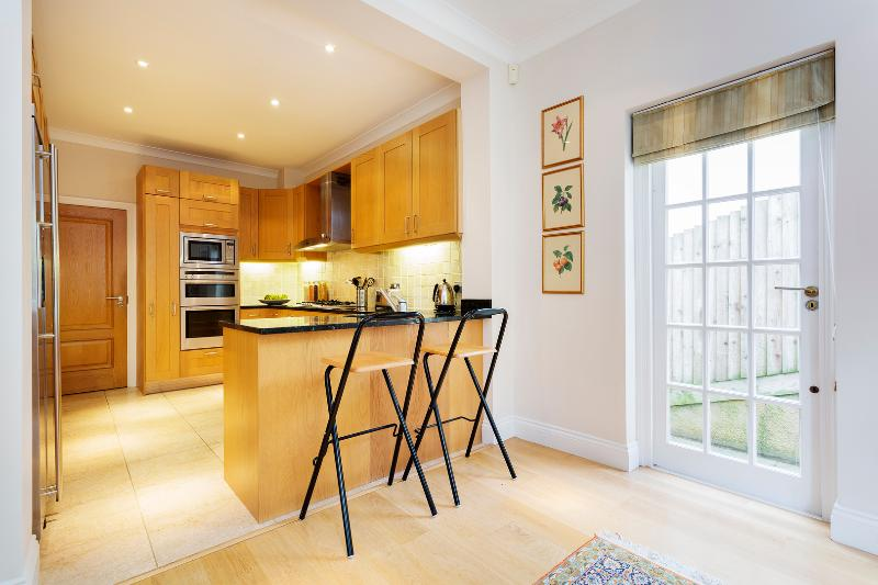 4 bed, 4 bath in Highgate, Holly Lodge Estate - Image 1 - London - rentals