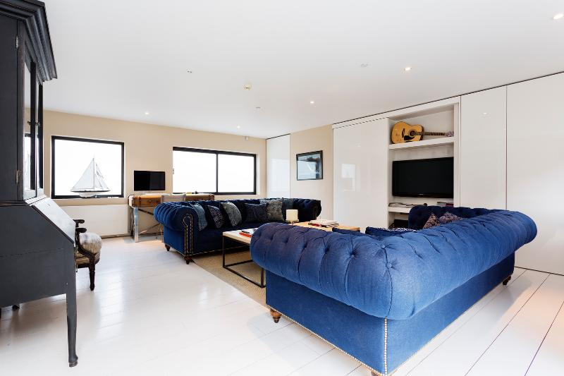 Ruston Mews, 2 Bed, 2 bath house in Notting Hill - Image 1 - London - rentals