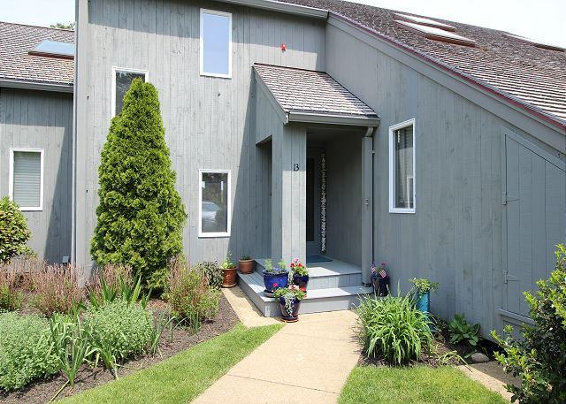 WATERVIEW TOWN HOUSE WITH ASSOCIATION POOL! - Image 1 - Oak Bluffs - rentals