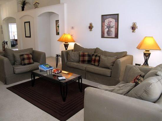 4 Bedroom 3 Bathroom Vacation Home in Kissimmee Resort. 2216WPW - Image 1 - Orlando - rentals