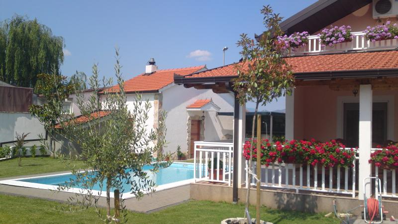 TRADITIONAL VILLA WITH POOL IN PRIVACY, NEAR MEDUG - Image 1 - Medjugorje - rentals
