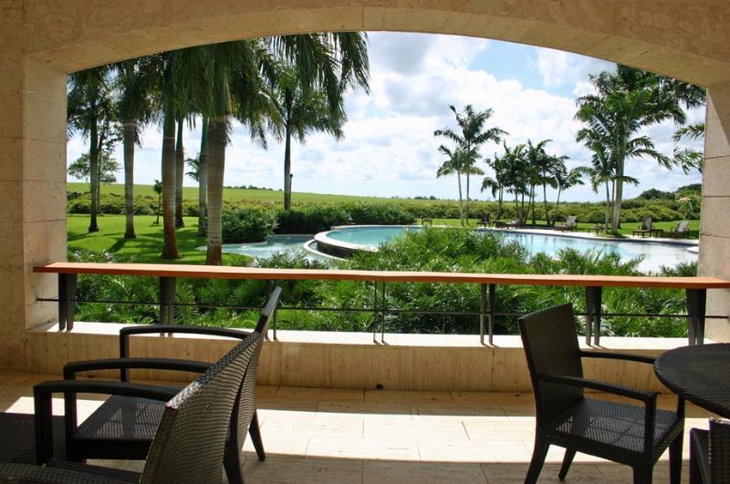 Spacious Loft adjacent to Altos de Chavon in the exclusive Casa de Campo Resort, Walk to Beach - Image 1 - Altos Dechavon - rentals