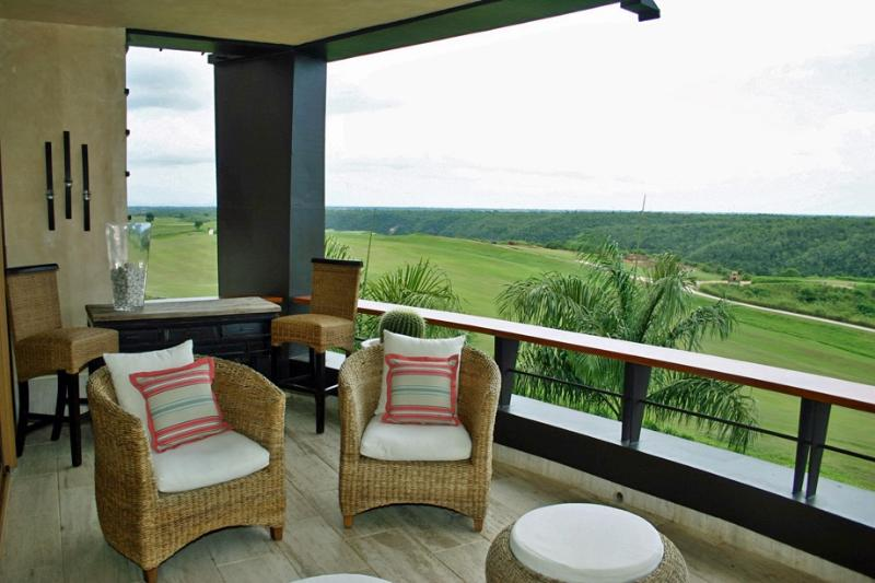 Los Altos Condo, Golfer's Paradise, Ideal for Couples & Families, Resort Pool Access - Image 1 - Altos Dechavon - rentals