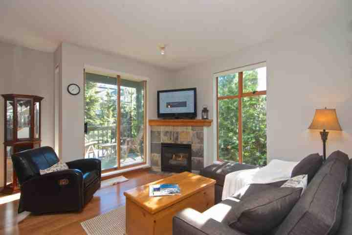 Comfortable bright living room - Northstar Corner Unit Townhouse #118 - Whistler - rentals
